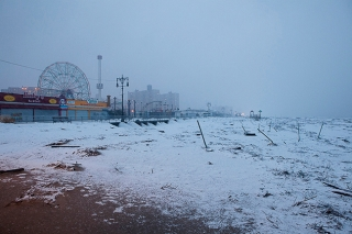 Brooklyn, NY - Nov. 7, 2012. A snowstorm hits New York. A view on the Coney Island beach in Brooklyn, which still carries the consequences of the passage of Sandy. (Photo by Alessandro Vecchi)